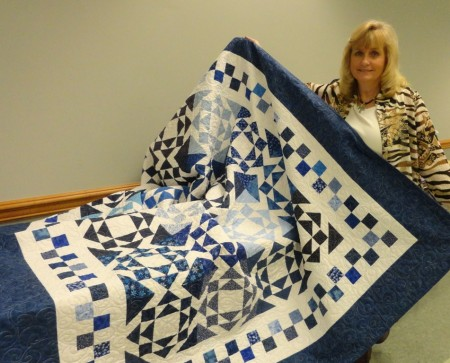 Blueberry quilt winner PatRouton