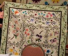 A Southern Garden Winner of Applique Artistry and Viewers' Choice in PBQ 2008 Show