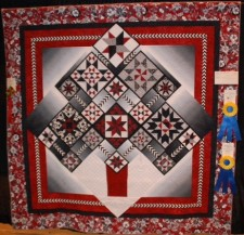 Leslie Kiger--Innovative Contemporary Artistry and Machine Quilting Longarm/Computer Assisted